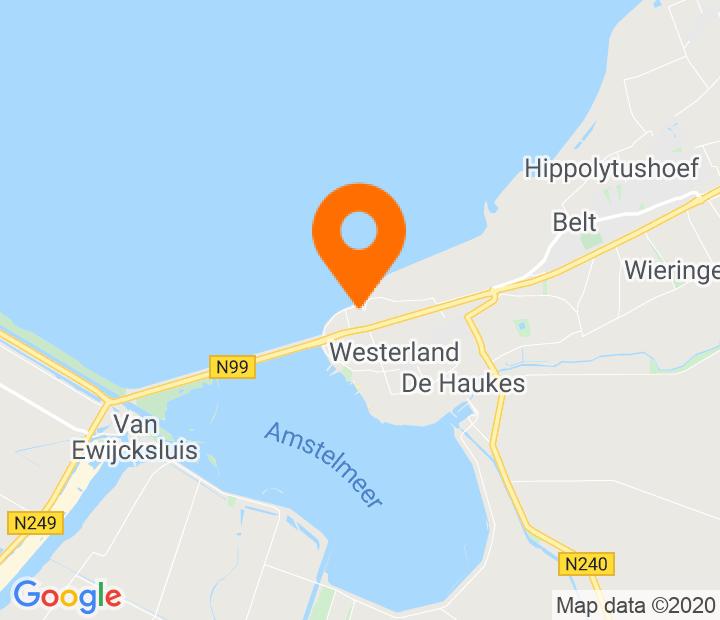 Google Map of 52.895827,4.914655