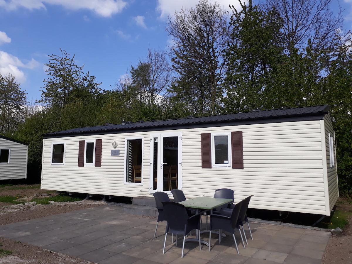 Stacaravan met 3 slaapkamers te koop op De Leistert, Limburg | de ...