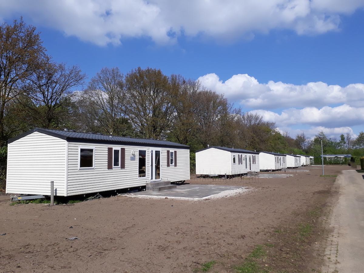 Stacaravan met 3 slaapkamers te koop op De Leistert, Limburg   de ...
