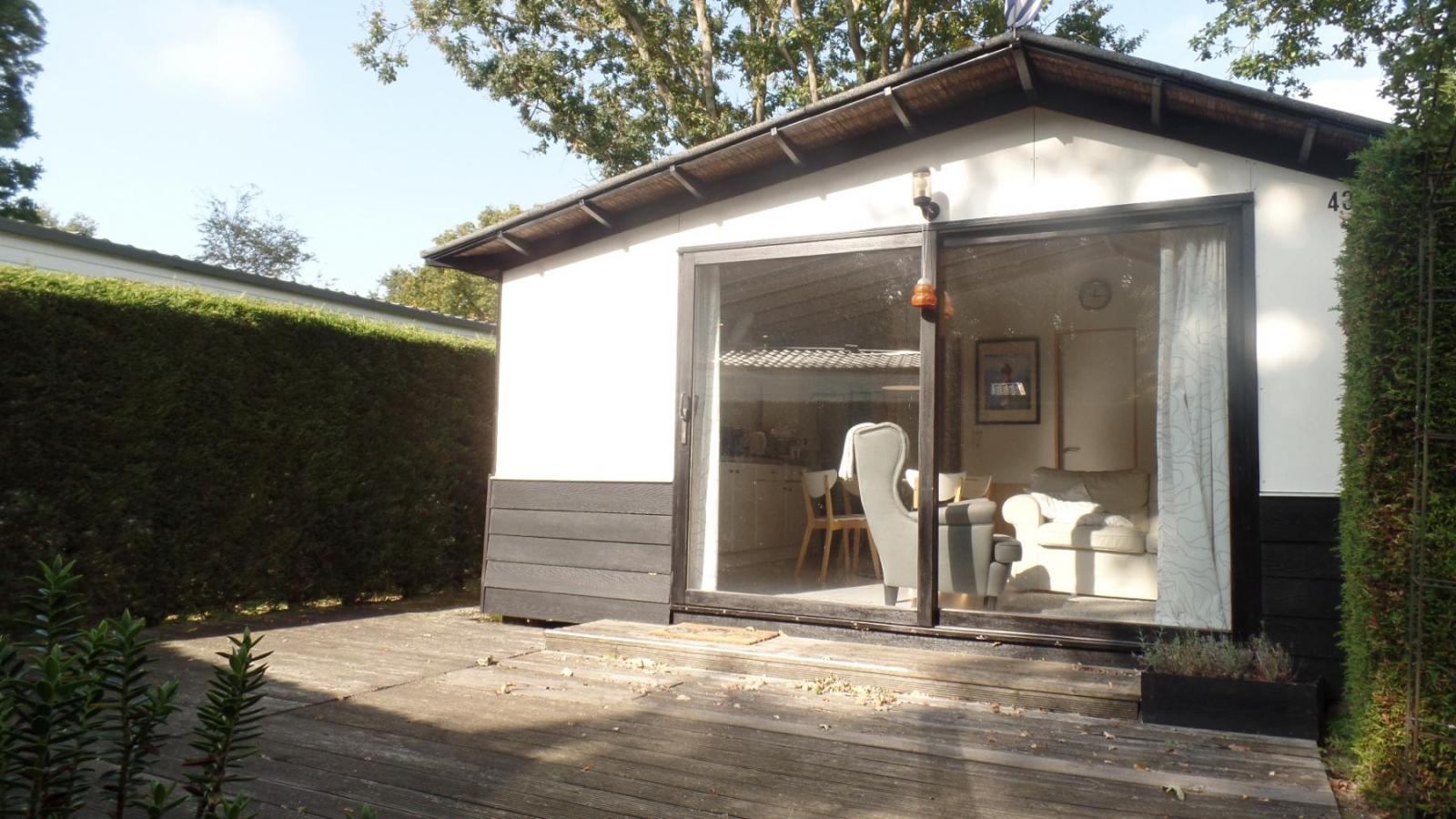 Lief huisje te koop op camping in burgh haamstede de for Huisje te koop